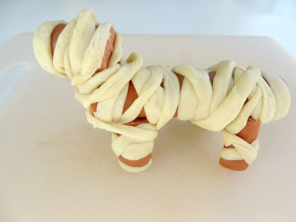 Halloween-recipes-kids-will-love-dog-wrapped