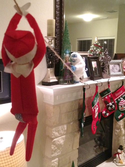 Elf On The Shelf Ideas - Ziplining Elf