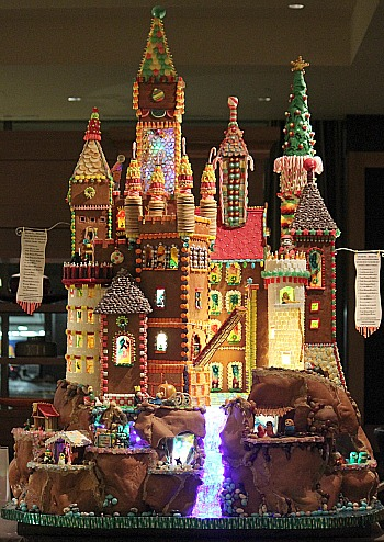 Gingerbread-houses-brothers-grimm