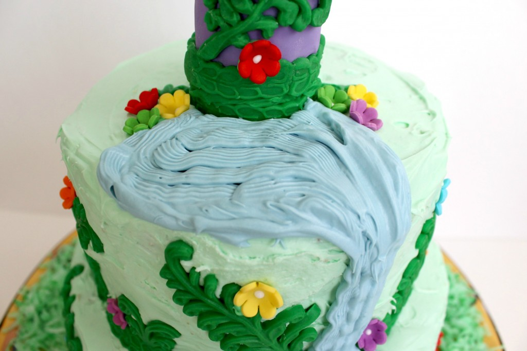 Rapunzel-cake-blue-lake