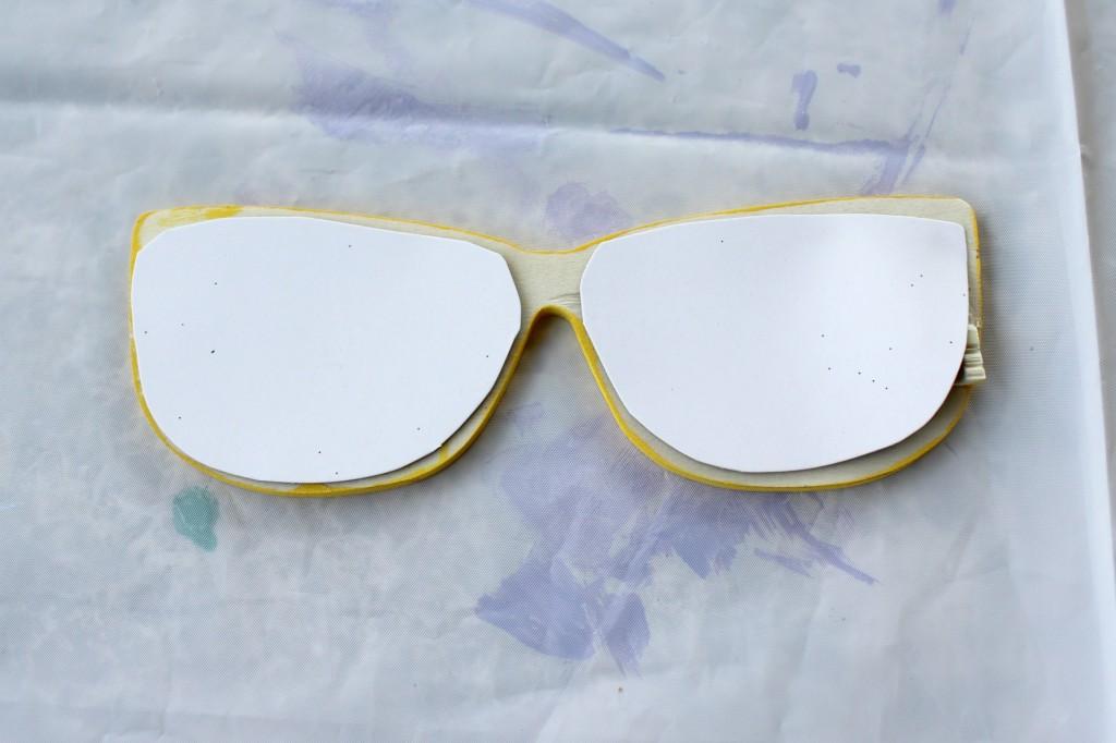 shopkins-valentines-box-glasses-back