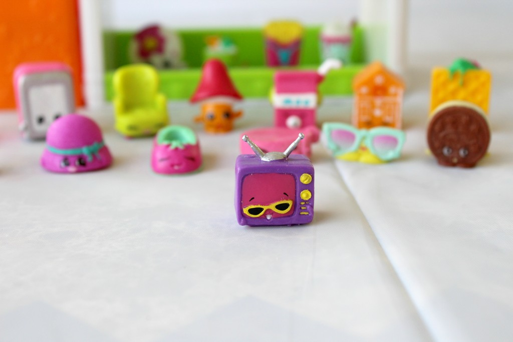 Shopkins-valentines-box