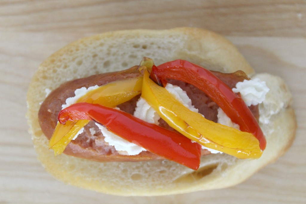 sausage-crostini-goat-cheese-peppers