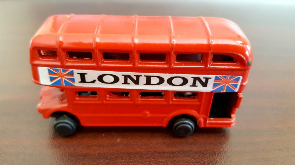 London-vacation-bus