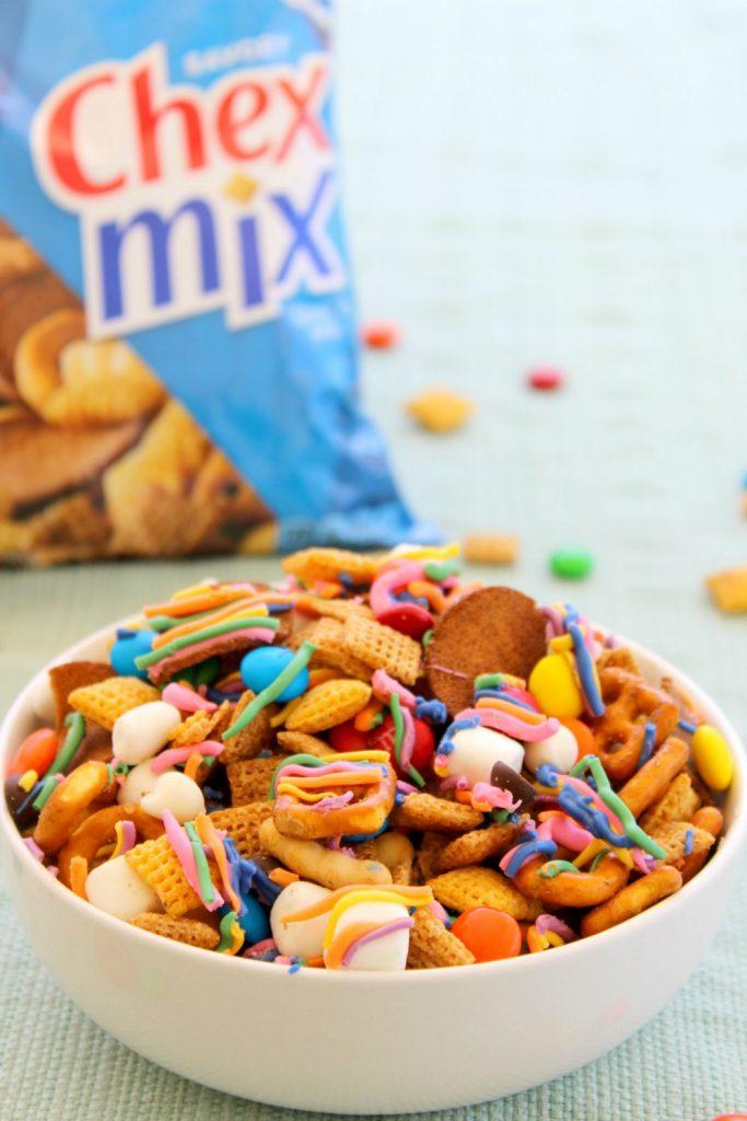 Rainbow-snack-mix-hero