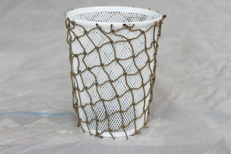 coastal-themed-pencil-holder-netting