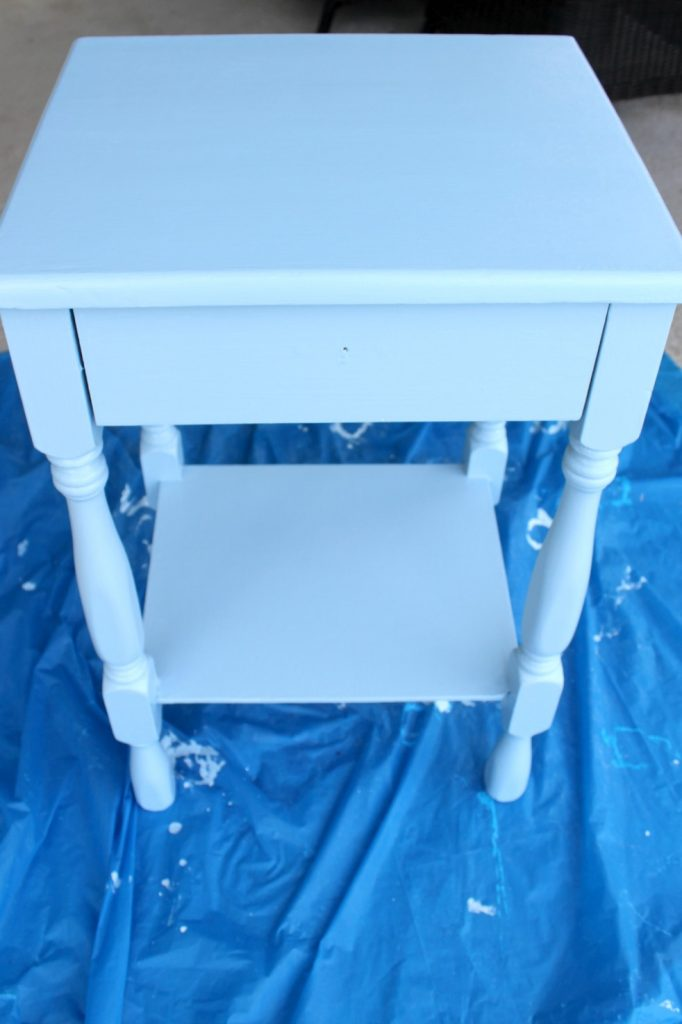 DIY-coastal-chic-side-table-good-blue