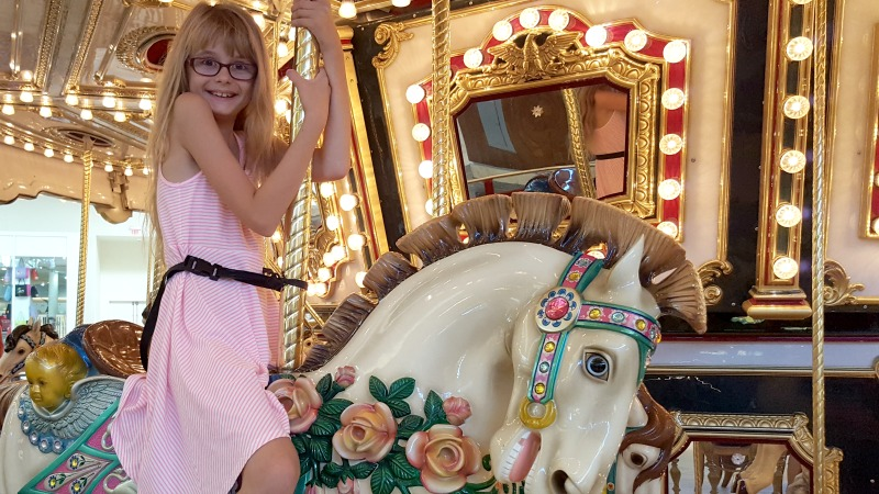back-to-school-shopping-mommy-daughter-date-carousel