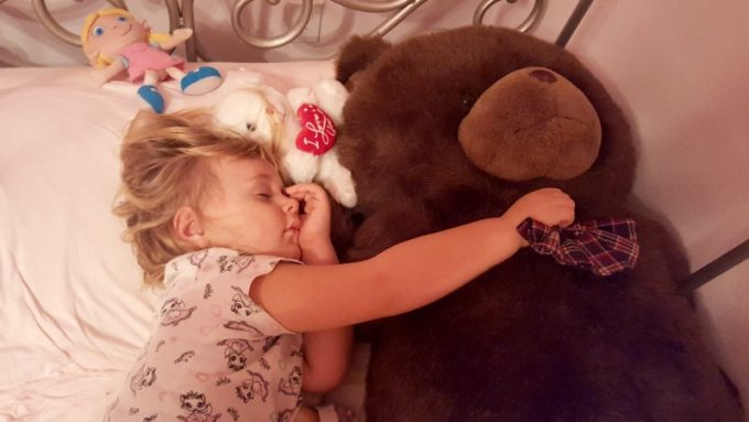 Healthy-habits-your-kids-can-learn-sleeping