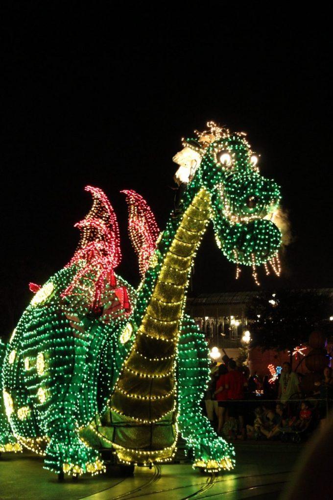 Disney-tradition-dragon