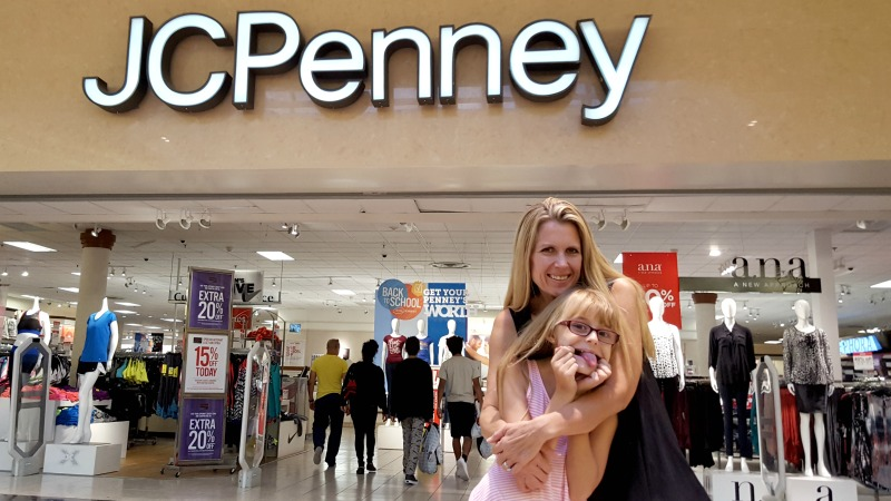 back-to-school-shopping-mommy-daughter-date-store