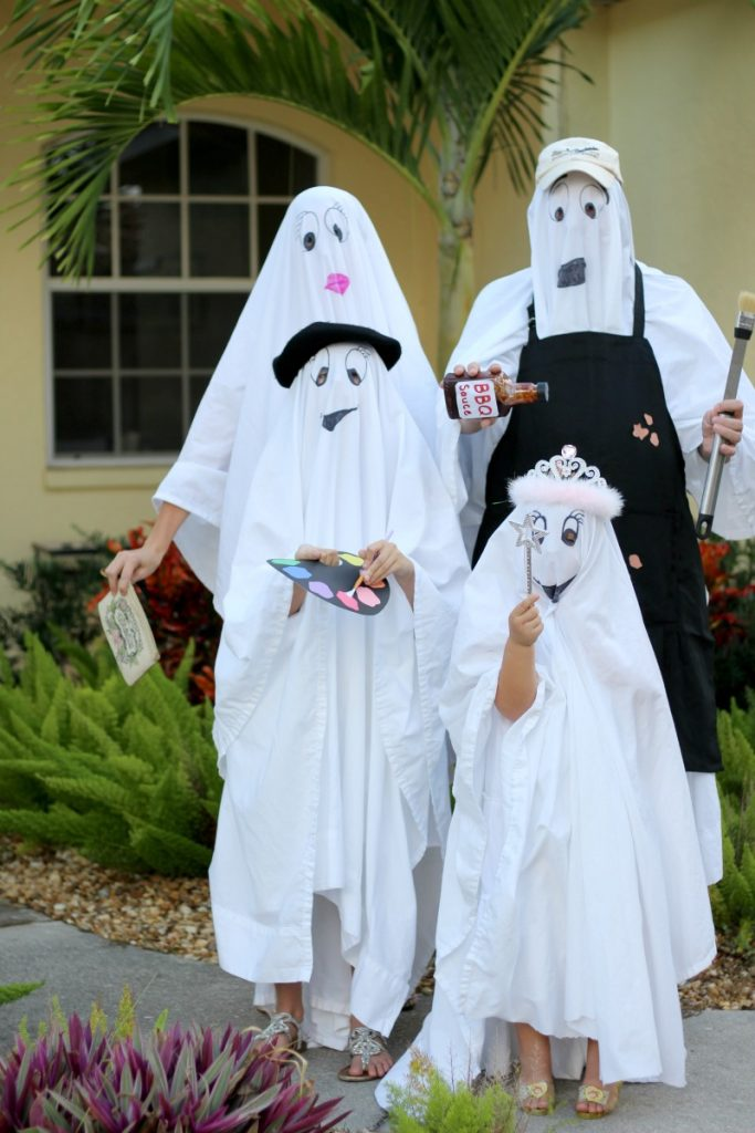 ghost-costumes-ghost-family