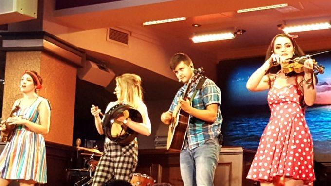 Raglan-road-disney-springs-musicians