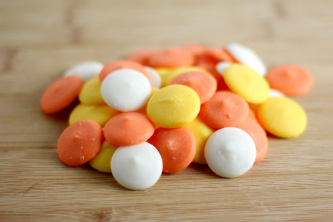 candy-corn-cups-melts