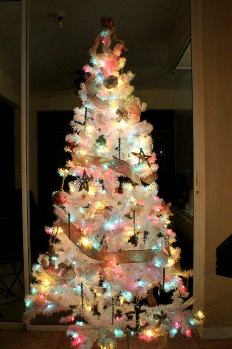 christmas-decorations-beach-tree