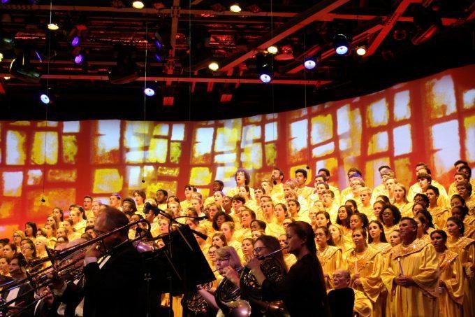 epcots-holidays-around-the-world-choir