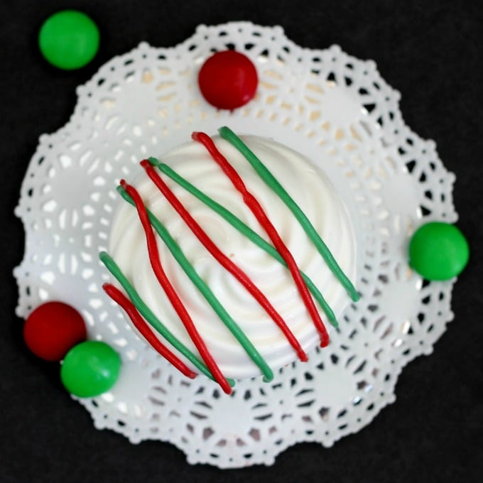 Christmas-candy-cupcakes-above