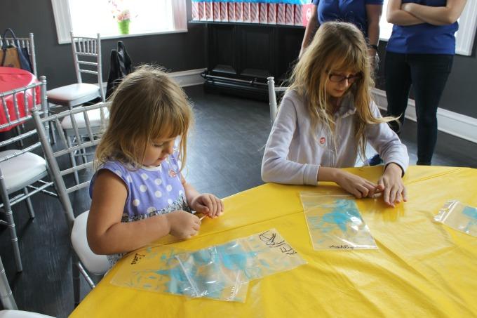 Jacksonville-Florida-making-lollipops