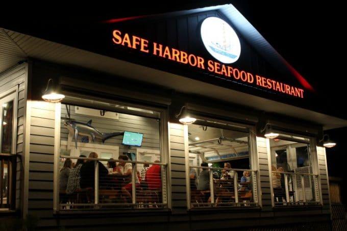 Jacksonville-Florida-safe-harbor-seafood-restaurant