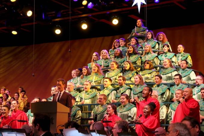 epcots-holidays-around-the-world-Neil-singing