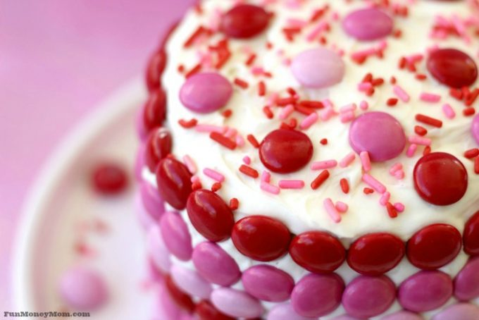 Your sweetheart will fall in love with this delicious Valentine cake