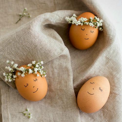Flower child Easter egg decorating ideas