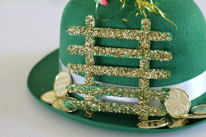 Placing gold coins around the bottom makes this leprechaun trap more inviting