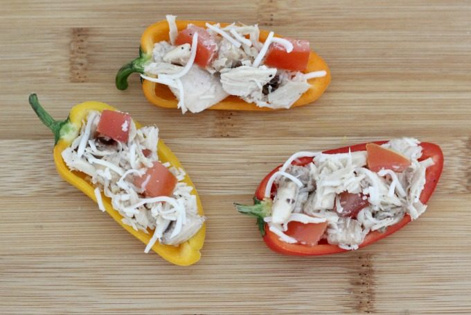 Fill your sweet peppers with the tuna mix