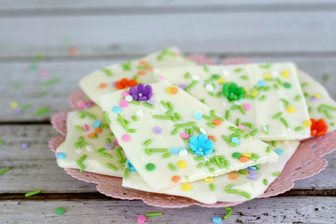 This white chocolate bark recipe will make you happy that spring is here.