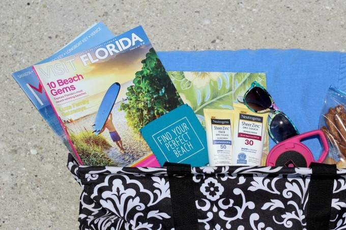 How To Put Together The Ultimate Beach Bag - Fun Money Mom