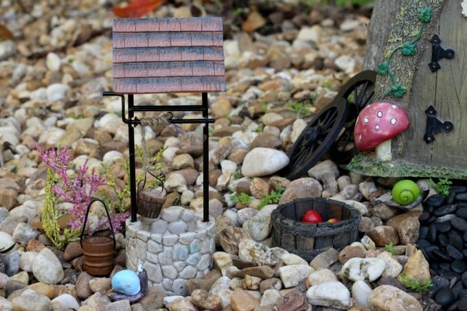 The gnomes can also get water from the well.
