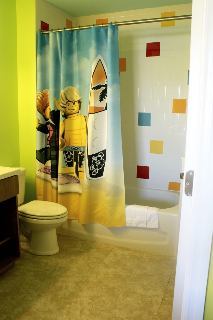 Even the bathroom at the Legoland Beach Retreat was bright and cheery