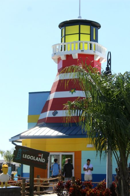 You can't miss the centrally located lighthouse at the Legoland Beach Retreat