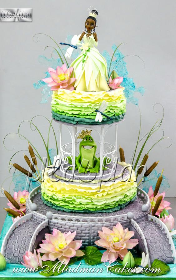 Disney princess cakes with Tiana and frog