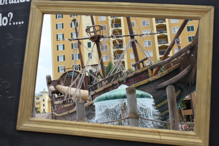 Don't forget to take a photo through the picture frame at the pool of The Lake Buena Vista Resort Village And Spa