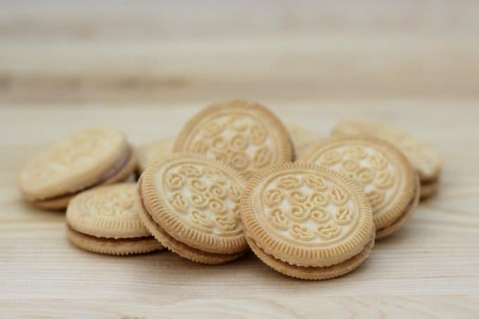 You can use any round cookie for your baseball cookies