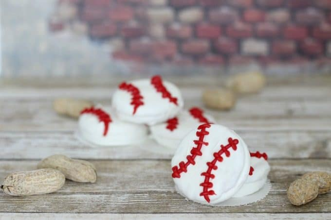 These white chocolate baseball cookies are perfect for sports themed birthday parties
