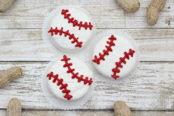 These baseball cookies are perfect for watching your favorite team play