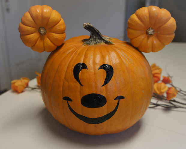 Mickey Mouse No Carve Pumpkins