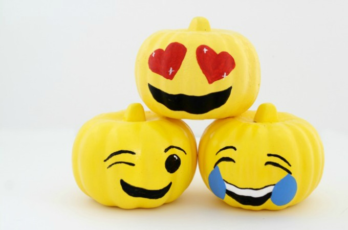 3 Super Cute Emoji Pumpkins For Halloween