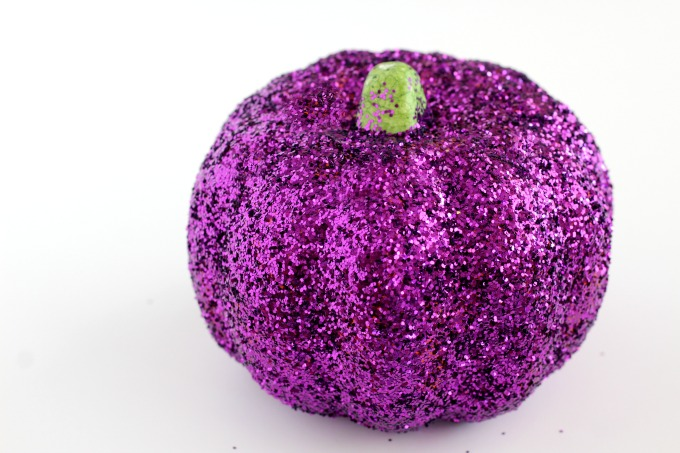 Your glitter pumpkin should be completely covered.