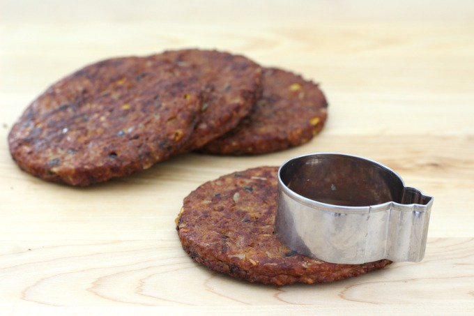 Use a cookie cutter to make the small patties for your mini veggie burger