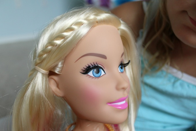 My daughter loved this Barbies long eyelashes