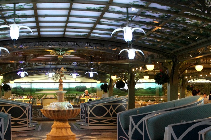 The magical ceiling in the Enchanted Forest changes colors as you dine