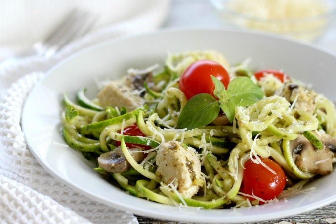 These pesto zucchini noodles with chicken and mushrooms make the perfect healthy dinner recipe