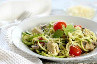 Pesto zucchini noodles feature