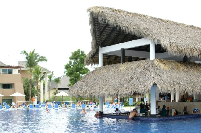 When you vacation at Memories Splash Punta Cana, you can enjoy the swim up bar at the pool