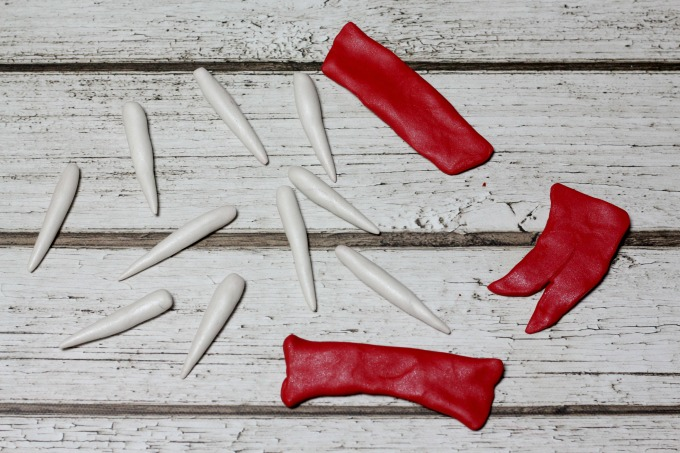 Shape the clay into teeth, gums and a tongue for your Harry Potter Valentine Box