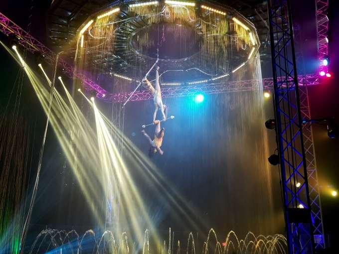 The water curtain really added to the Cirque Italia experience
