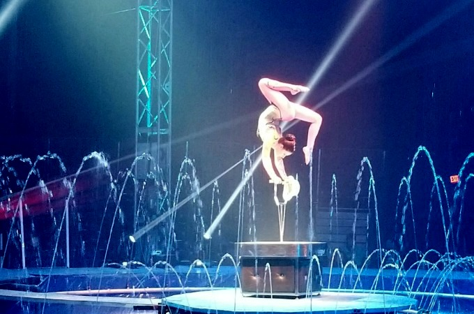 Cirque Italia Review